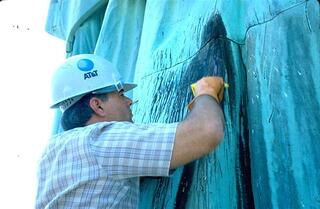 John Franey analyzing the Statue of Liberty